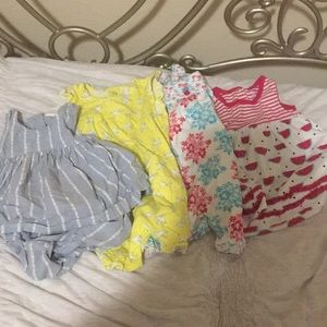 Lot of 4 baby romper/dress, like new (No stains)